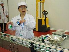 Slavnostní zahájení výroby v hrobčické konzervárně Shanghai Maling.
