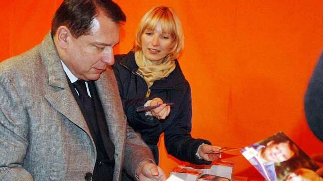 Šéf ČSSD Jiří Paroubek s manželkou