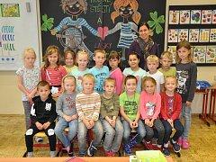 Na fotografii jsou žáci ze ZŠ Novosedlice, 1. třída paní učitelky Jiřiny Novákové.