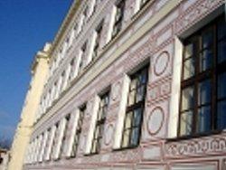 Část budovy duchcovského gymnázia.