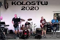 Kapela Kolostuj při vystoupení na Hvězdě v Teplicích.