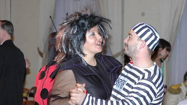 Maškarní ples v Krušnohorském divadle