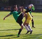 V okresním derby se lépe dařilo hráčům hostujícího Oldřichova (zelení).