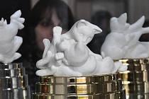 Porcelánová tvorba od Pelechové je k vidění na výstavě v Dubí
