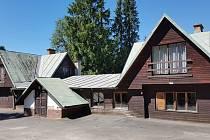 Bývalý rekreační areál učitelů z Teplicka, ŠVP v Tatranské Štrbě, dnes jako Penzion Medvědice