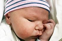 Tobiáš Fidler se narodil 29. září ve 12.18 hodin rodičům Sandře Kossakowské a Martinu Fidlerovi. Měřil 53 cm a vážil 4,20 kg.