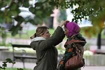 Česká televize natáčí v šanovském parku scény do nového seriálu Ochránce, který bude ze středoškolského prostředí. V hlavní roli bude Lukáš Vaculík. V parku se natáčely scény ze života Arabů v Teplicích.