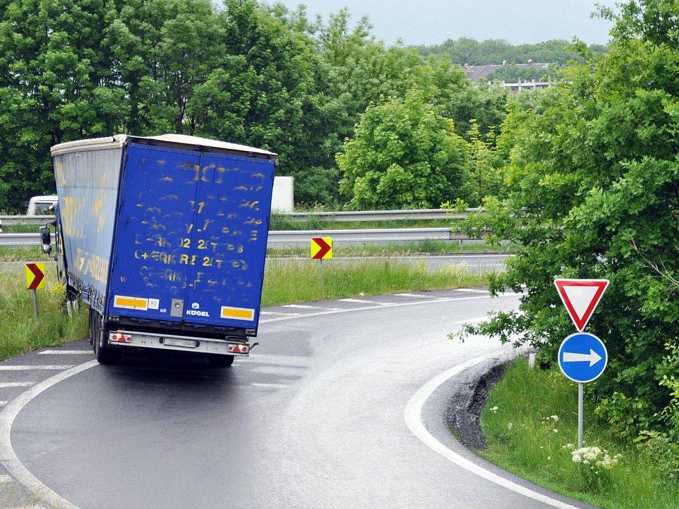 Nehoda kamionu v Teplicích.
