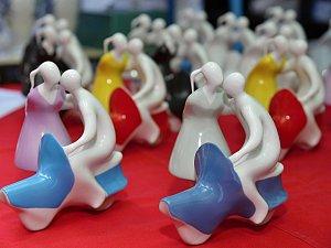 Na jubilejní festival designu v Praze míří i porcelánová čezeta