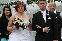 Svatba Davida Vavrušky na příbramském stadionu