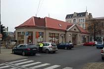 Objekt ve vnitřní části Benešova náměstí v Teplicích, funguje tam informační centrum a jsou tam také veřejné toalety.