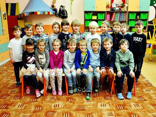 Na fotografii jsou žáci ze ZŠ Verdunská vTeplicích, 1.C  třída paní učitelky Václavy Horňákové.