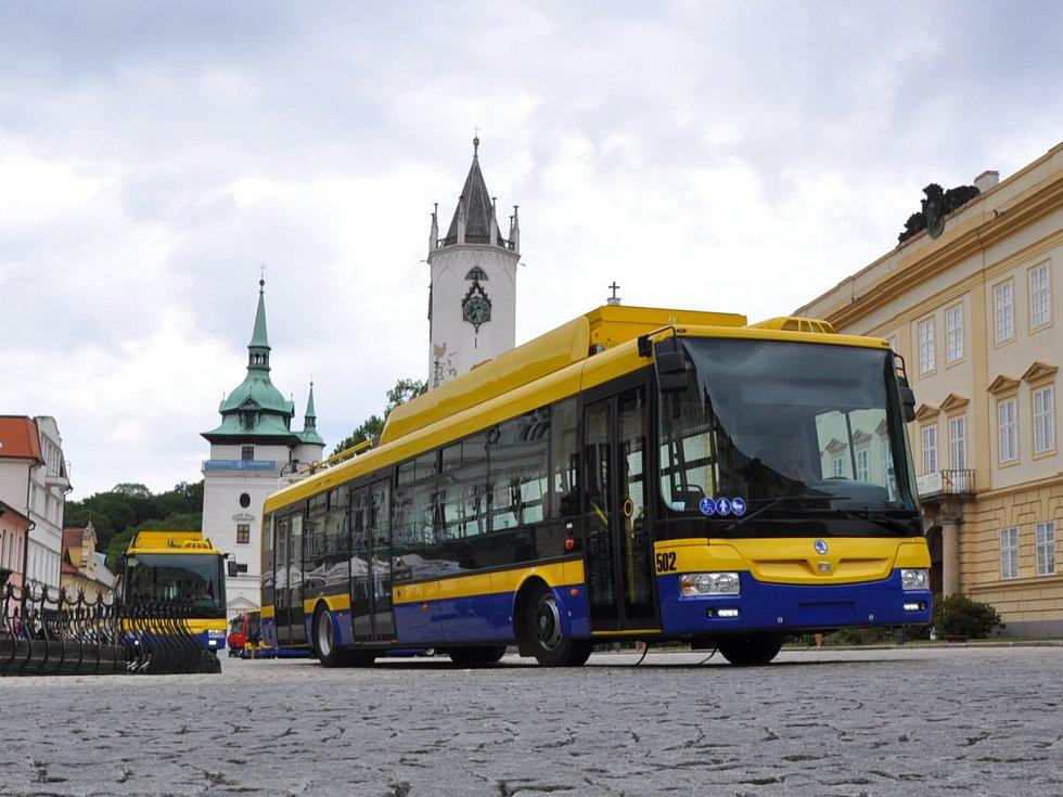 Hybridní trolejbus, který dokáže dojet na baterie i do míst, kde není trolejové vedení.