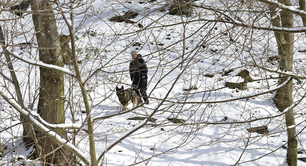 Sníh v Oseku na Teplicku.