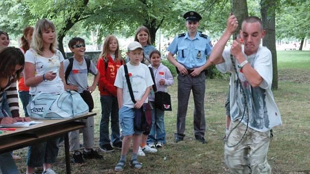 Duchcovští školáci si užili dopoledne s Policií