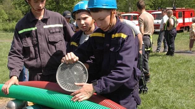 Mladí hasiči z Úpořin.