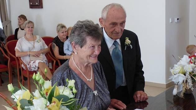 Figediovi z Krupky oslavili 65 let manželství.