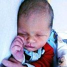 KRYŠTOF KLÍMA se narodil Kamile Klímové z Kladrub 30. prosince ve 4.09 hod. v ústecké porodnici. Měřil 50 cm a vážil 3,35 kg.