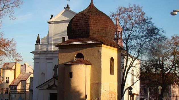 Kostel svatého Valentina v Novosedlicích.