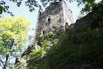 Hrad Rýzmburk v Oseku.