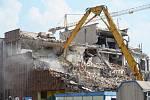 Demoliční práce -  OD Prior Teplice, 2012.