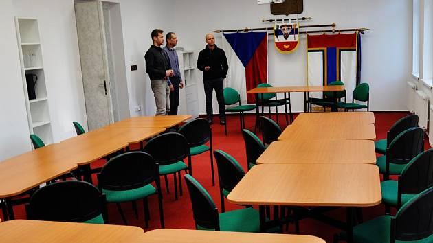 ZASEDACÍ MÍSTNOST obecního úřadu v Novosedlicích prošla rekonstrukcí.