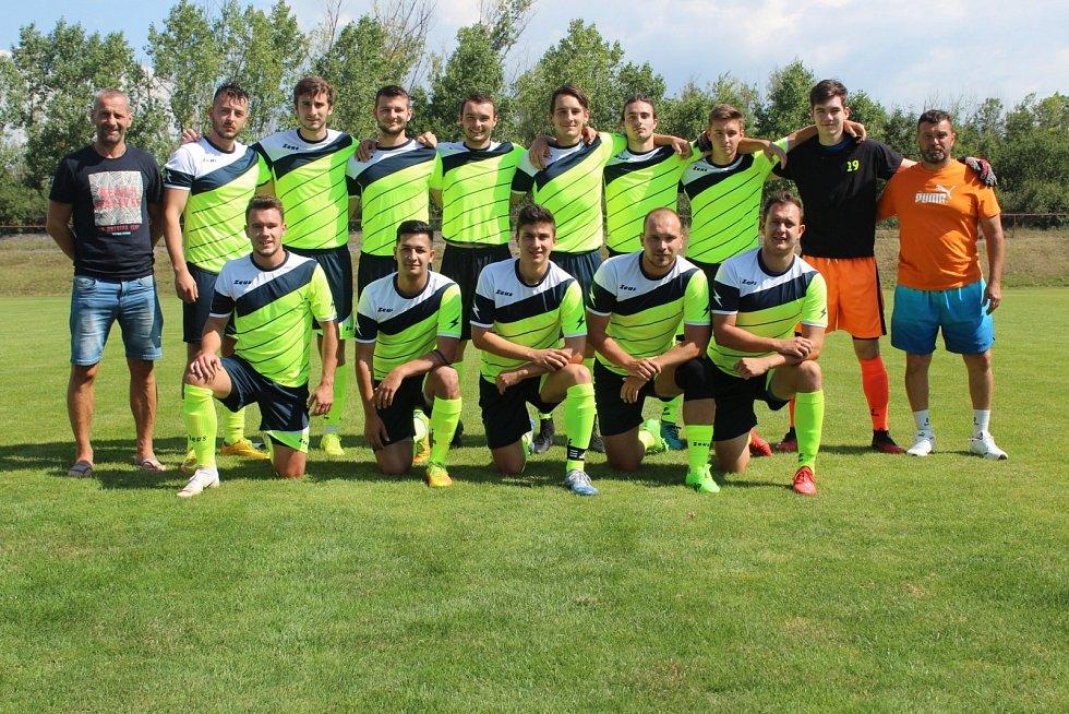 Fotbalový turnaj v Ledvicích. Krupka