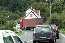 V Bystřanech už nejsou značky zakazující vjezd nákladní dopravě do Bořislavi.