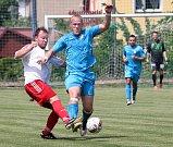 I.A třída - Fotbalisté Oldřichova (modří) zdolali i poslední překážku, po vítězství nad Střekovem (bíločervení) jsou první ve skupině a postupují do krajského přeboru.