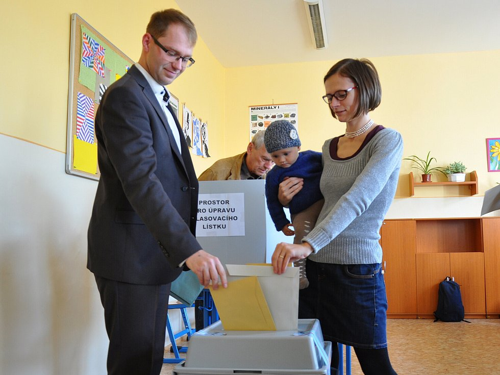 1. den komunálních a senátních voleb 2018 na Teplicku, rodina Mráčkova (Jakub Mráček je lídrem za Volbu PRO! Teplice)