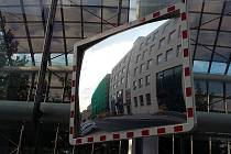Rekonstrukcí v těchto dnech prochází budova teplického magistrátu naproti Domu kultury v Teplicích.