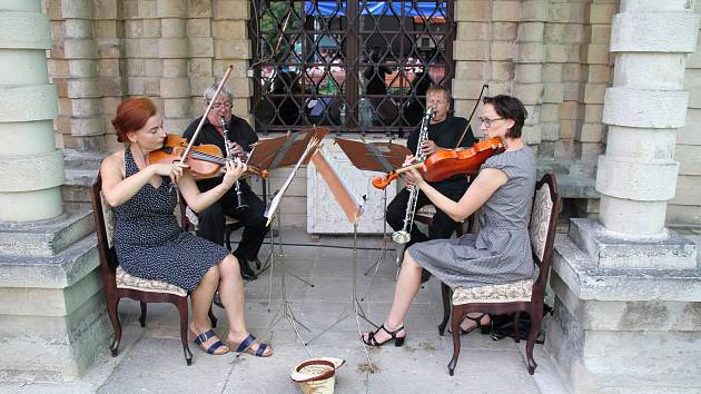 Hudební setkání na zámku, Zvonkohra a String Clartet.