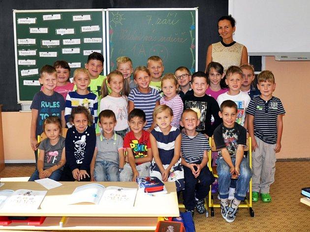 Na fotografii jsou žáci ze ZŠ Dubí 2, 1.A,  třída paní učitelky Anastázie Fialové.