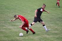 FK Novosedlice (v červeném) - SK Dobkovice 3:4