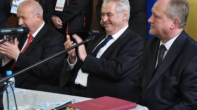 Z prezidentské návštěvy v Bílině na gymnáziu/ilustrační foto