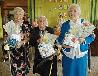 Nejlépe oblékané babičky Domova důchodců v Bystřanech.