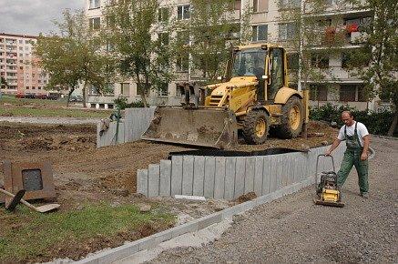 Staví se nové hřiště