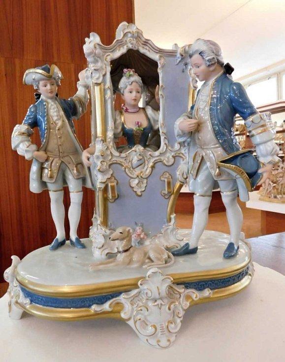 Figurální porcelán je doménou duchcovské manufaktury.