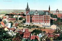Budova Obchodní akademie v Teplicích slaví 125 let své existence.