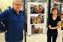 """Výstava """"Žlutočerná euforie"""" v Teplicích"""