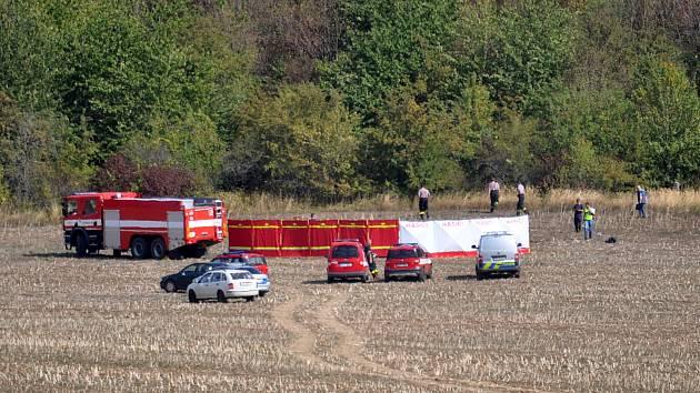 Na Teplicku spadlo malé letadlo, pilot nepřežil. Nehoda se stala kousek od letiště na Nové vsi. Vedle kamenolomu Všechlapy.