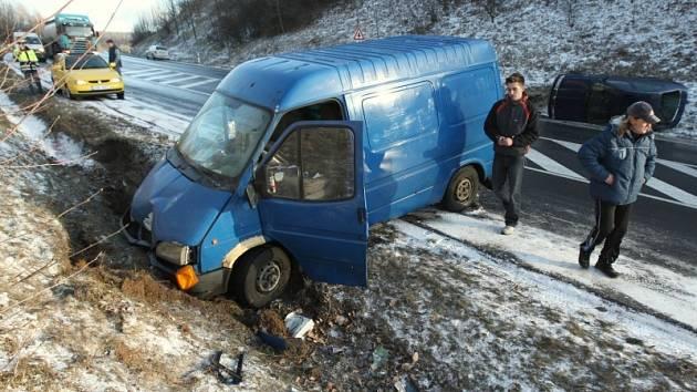 Hromadná nehoda nad Bořislaví