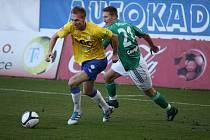 Teplice porazily Bohemku 2:0. Na snímku ve žlutém Antonín Rosa.