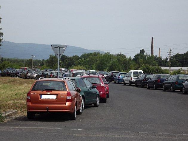 Parné léto přináší dopravní problémy do Oldřichova