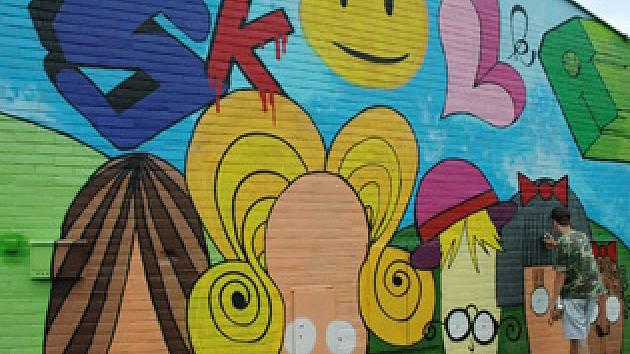 Pomalovaná zeď školky