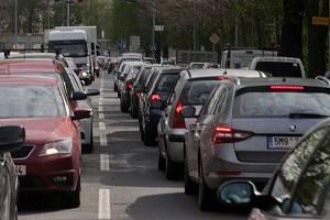 Ilustrační snímek. Dopravní zácpa.