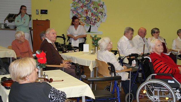 Projekt Spolu proti samotě v Domově důchodců v Bystřanech