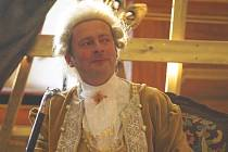 VZNEŠENÝ MUŽ JE ZDE, inu Casanovu nemůže hrát nikdo jiný než Petr Stolař.