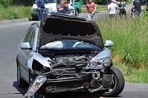 V Proseticích na křižovatce Pražská - Bystřanská došlo ke srážce dvou osobních aut.
