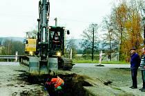 V Lahošti se pracuje na kanalizaci